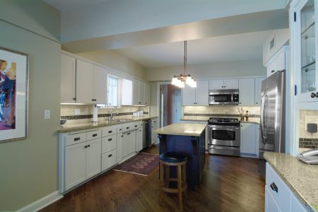 Kitchen 6 (New Cabinets)